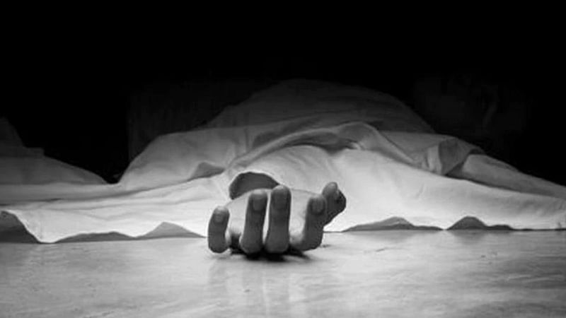 Indore: Youth consumes poison, dies