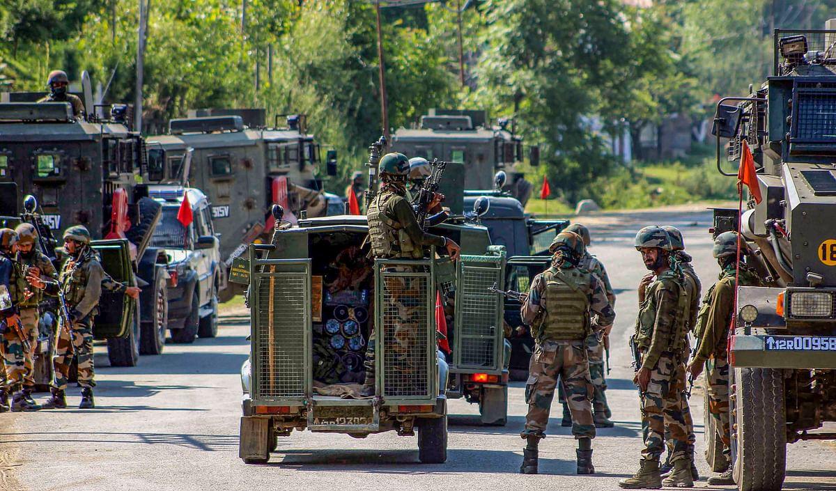 Jawan killed in Jammu and Kashmir's Anantnag; encounter with militants under way