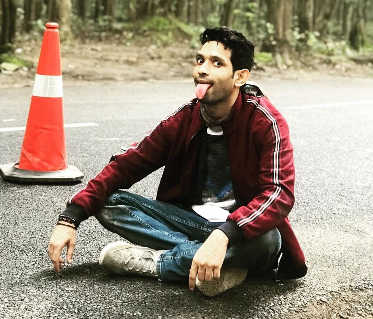 Runaway bride crashes Vikrant Massey's shoot in Delhi; cops gets involved