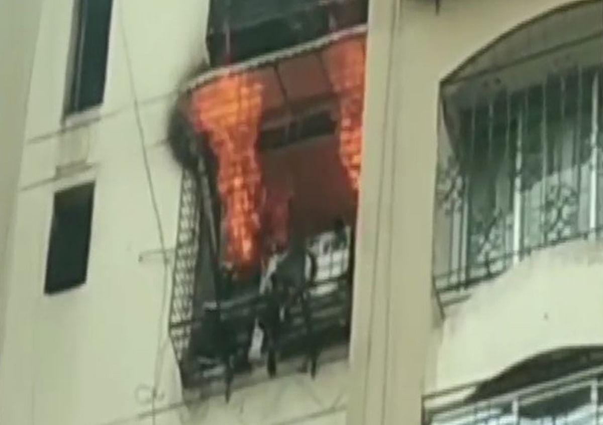 Mumbai: Fire breaks out in Jogeshwari, 5 fire tenders rushed to spot