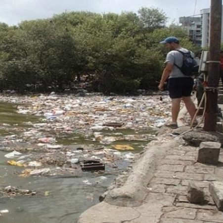 Mumbai: BMC to penalise citizens with Rs 1,250 for dumping trash in nullahs, public places