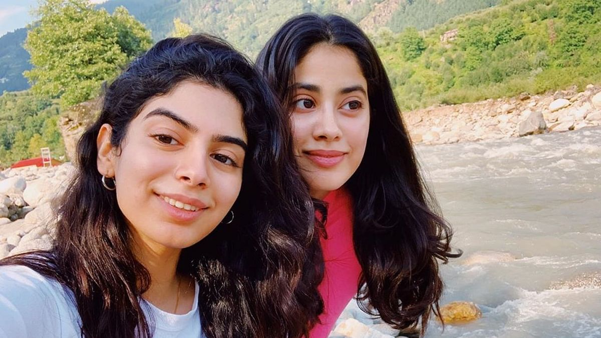 Janhvi Kapoor 'spends quality time' on hills with sister Khushi Kapoor, girl gang