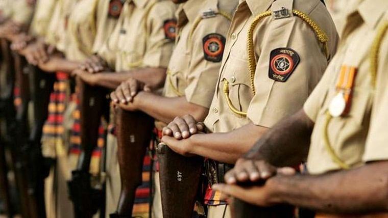 Maharashtra: Cop gets drunk, goes berserk in dry Wardha