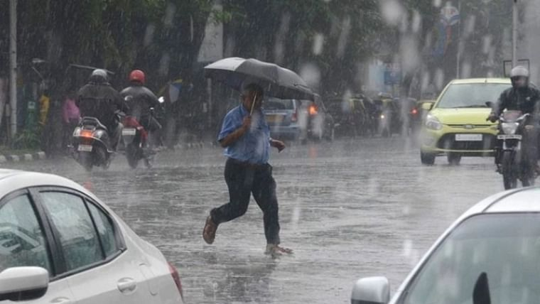 IMD predicts heavy rainfall for next 2-3 days in Mumbai