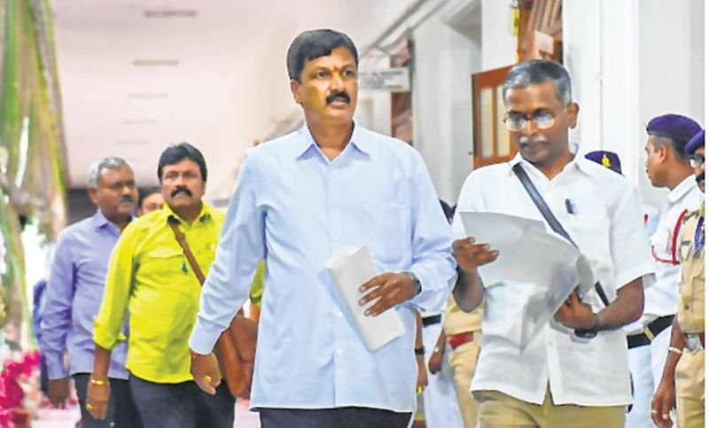 Karnataka crisis: You can't rush me, Speaker hint to Supreme Court
