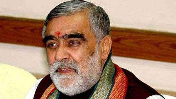 Union minister Ashwini Kumar Chaubey gets a taste of Dengue wrath