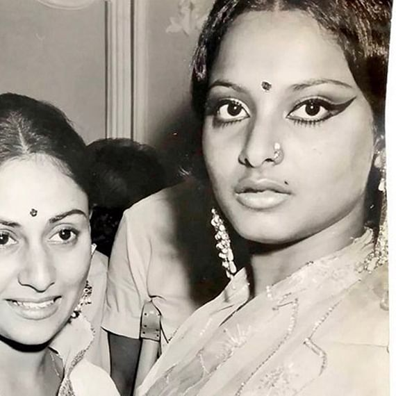 Flashback Friday: Jaya Bachchan and Rekha's candid picture have fans go nostalgic!