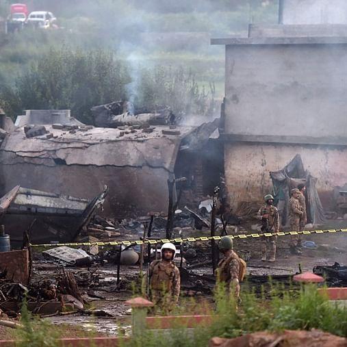 15 killed as Pakistani army plane crashes into residential area