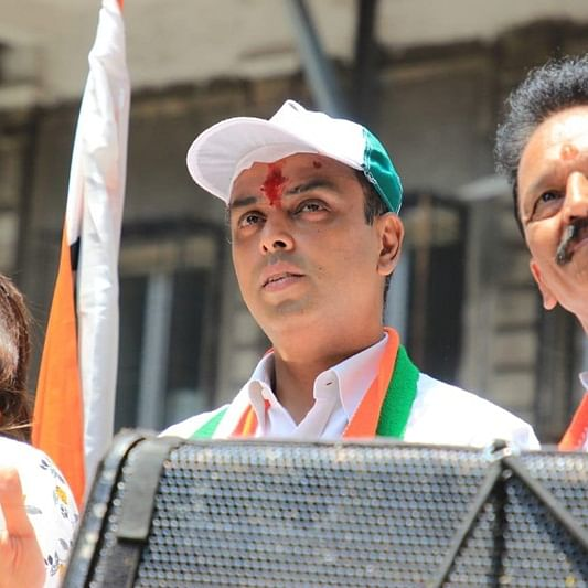 Section of Congress leaders want Milind Deora to stay on as Mumbai chief