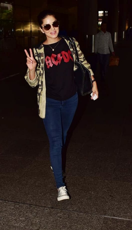 Sunny Leone at Mumbai airport.