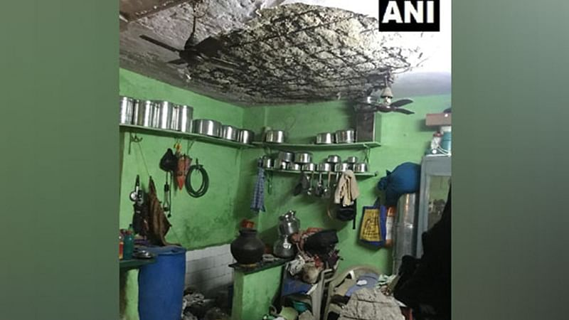 Mumbai: 2 injured after roof collapses in Bandra