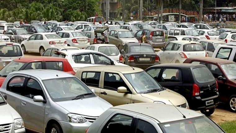 Mumbai: Facing backlash, BMC plans to slash monthly parking rates by 50%
