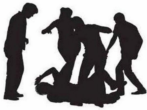 Pune: Beat marshal beaten, abducted