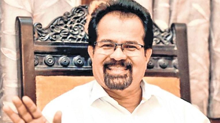Mayor Vishwanath Mahadeshwar gets Shiv Sena ticket, Uddhav Thackeray backs rebel sitting MLA