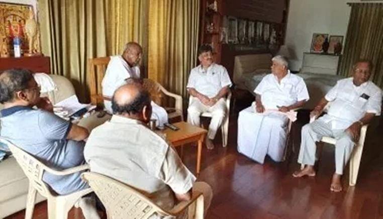 Wary of Karnataka, Congress tells coalition MLAs to stay on guard in MP