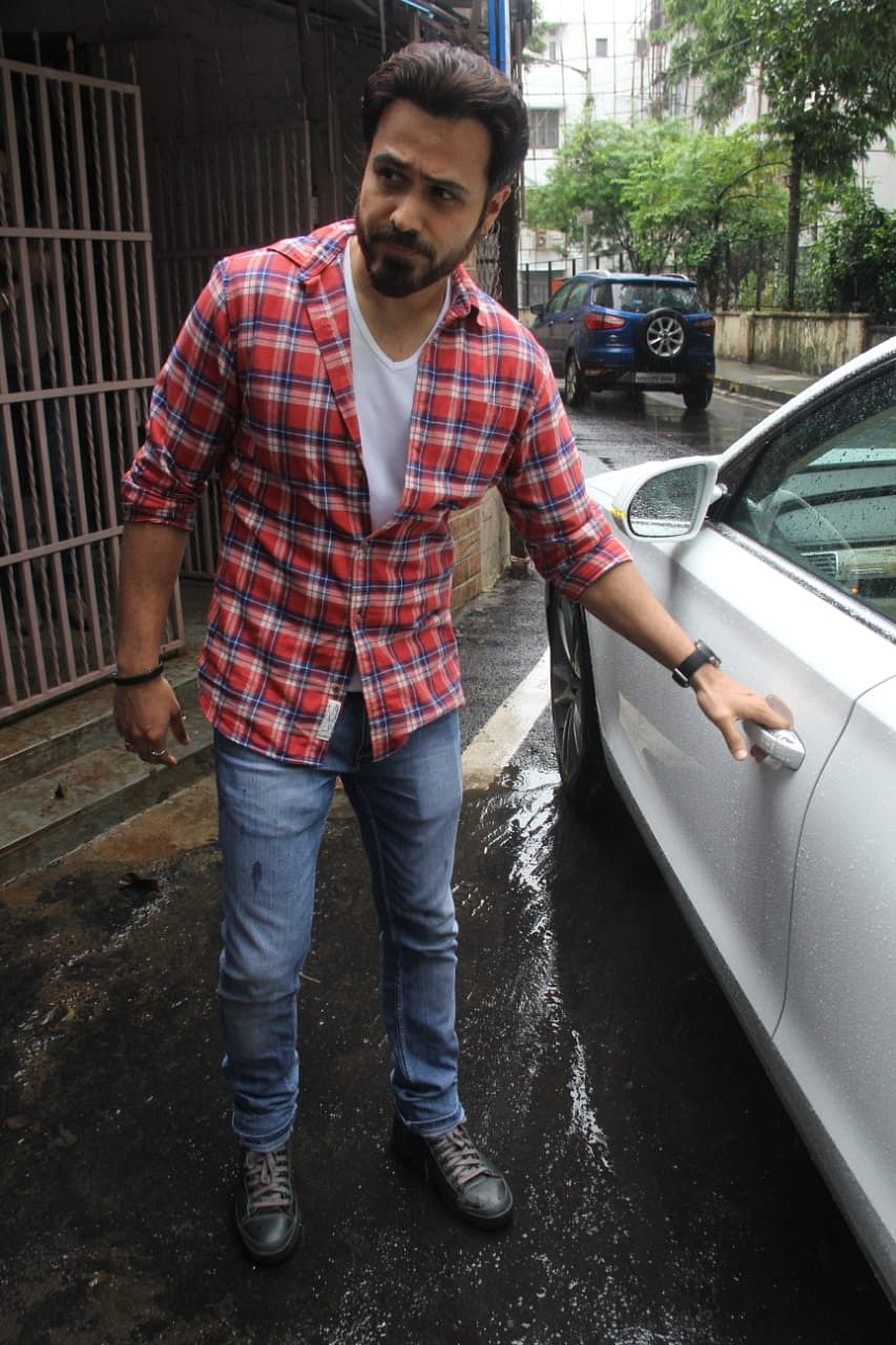 Emraan Hashmi spotted at Shankar Mahadevan's dubbing studio.