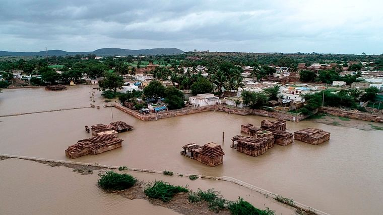 Death toll in Kerala floods rises to 72 while 58 are reported missing
