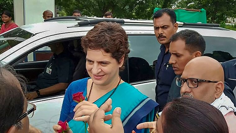 Priyanka Gandhi Vadra's close aide misbehaves with journalist, says 'Thok ke yahi baja dunga'