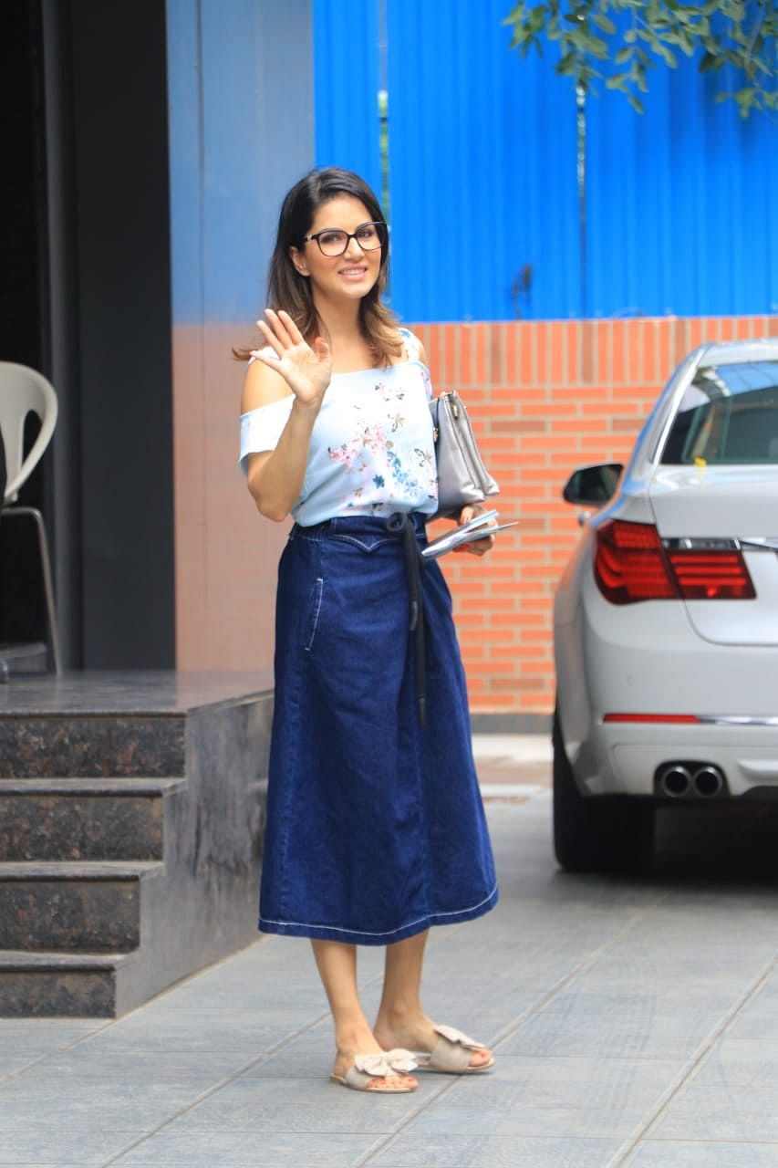 Sunny Leone snapped with kids in Juhu