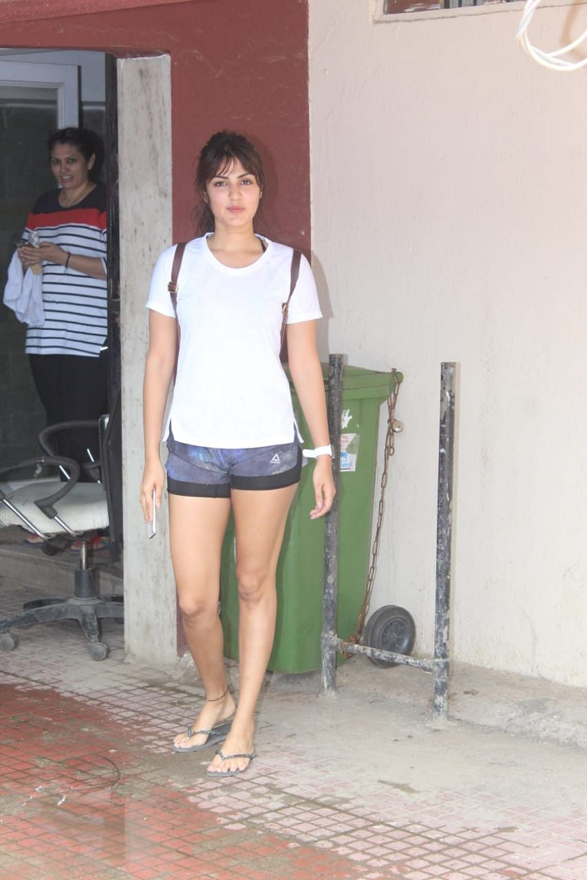 Actress Rhea Chakraborty rumoured to be dating Sushant Singh Rajput, was also spotted outside Pilates today.
