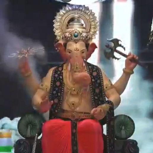 Mumbai: Devotees offer prayers at Lalbaugcha Raja pandal as Ganesh Chaturthi begins