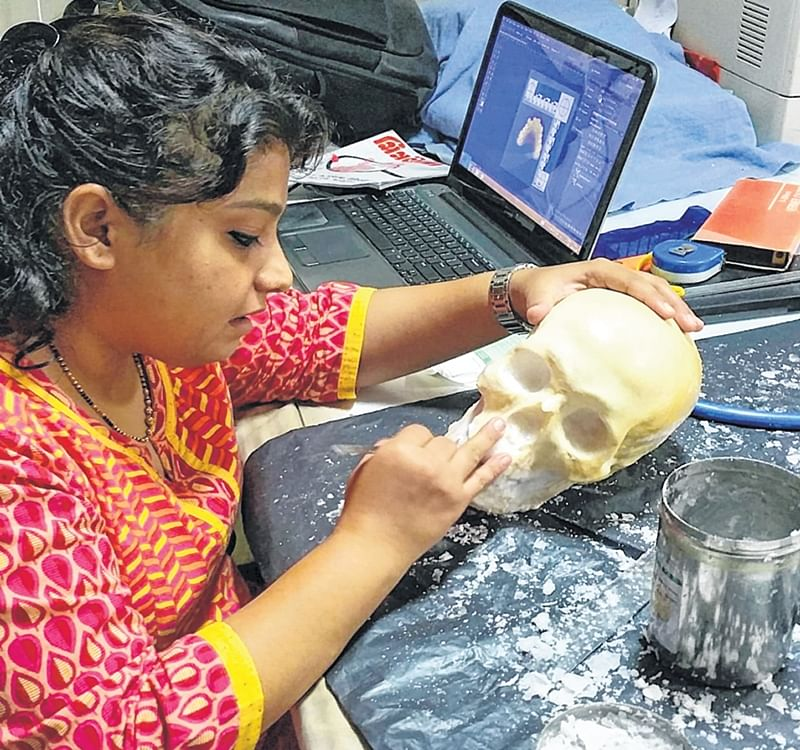 Eight skulls on the table: Forensic doctors' skills put to the test