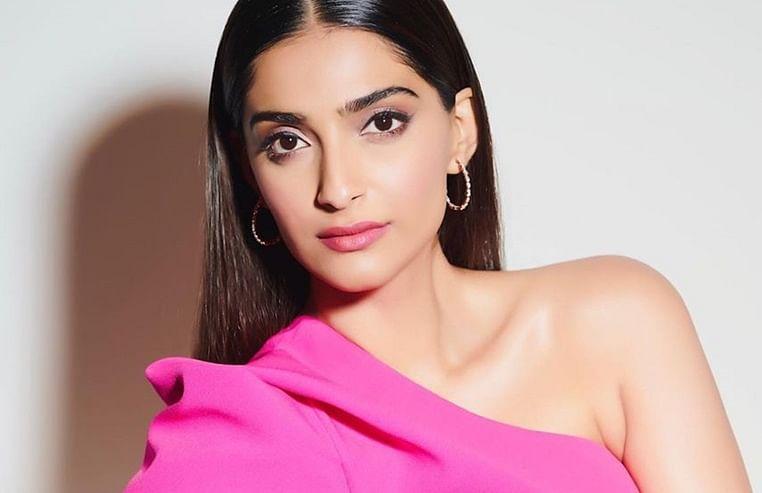 Sonam Kapoor unveils the teaser of Abhishek Sharma's 'The Zoya Factor'