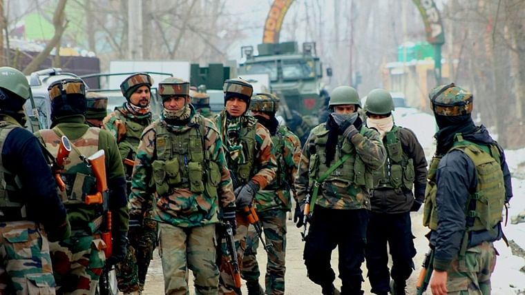 28,000 more troops of security forces being deployed in Kashmir, week after govt deployed 10,000 personnel