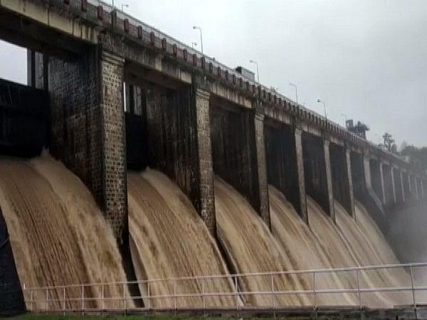Dam authorities responsible for massive floods: Madhav Gadgil