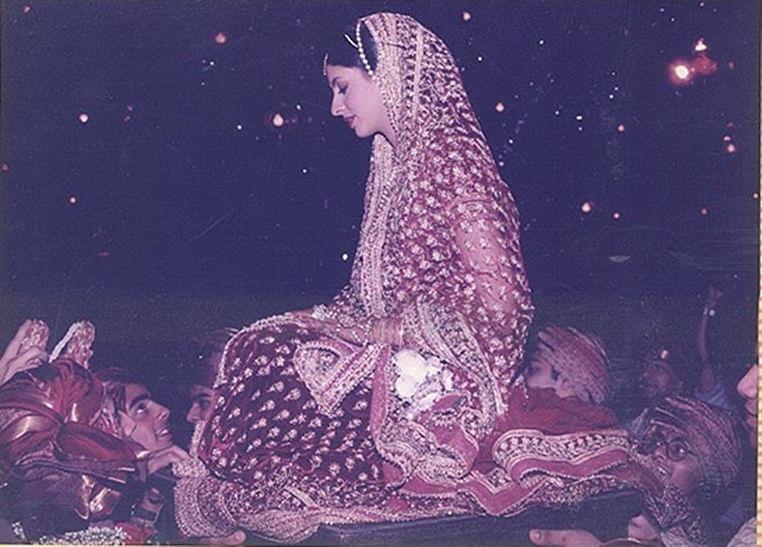 33 Years of Abu Jani-Sandeep Khosla: Designer duo share first bride Shweta Bachchan Nanda's wedding pictures
