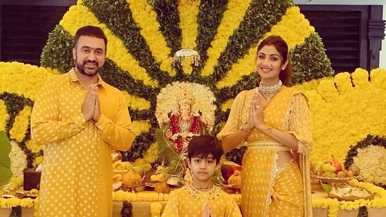 Watch Shilpa Shetty dance with hubby Raj Kundra, son Viaan during Ganpati Visarjan