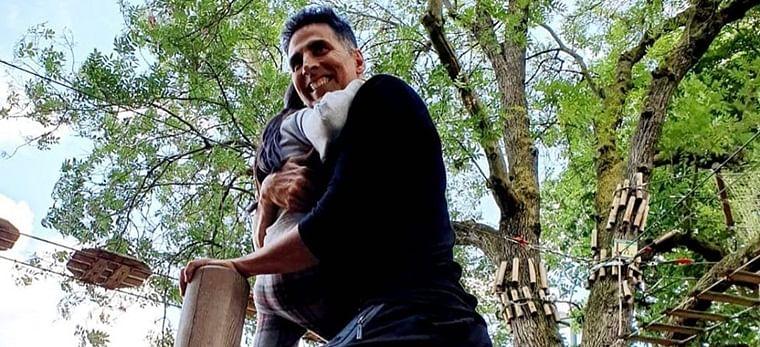 Akshay Kumar's daughter Nitara is 'happiest in daddy's arms'