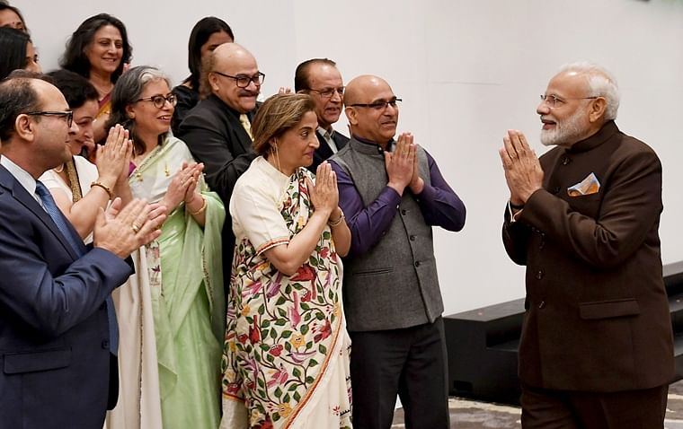 PM Narendra Modi meets Kashmiri Pandits in Houston, assures them of New Kashmir