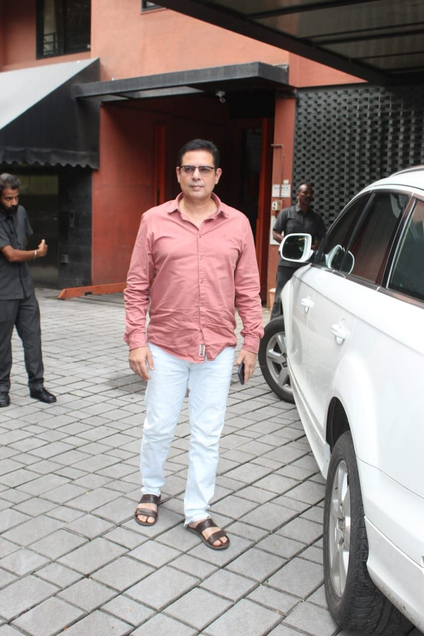 Atul Agnihotri was spotted outside Galaxy Apartments for Ganapati darshan at Salman Khan's house.