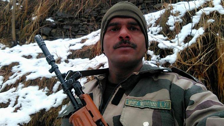 Ex-BSF jawan Tej Bahadur Yadav joins Dushyant Chautala's JJP, says will contest against Manohar Lal Khattar