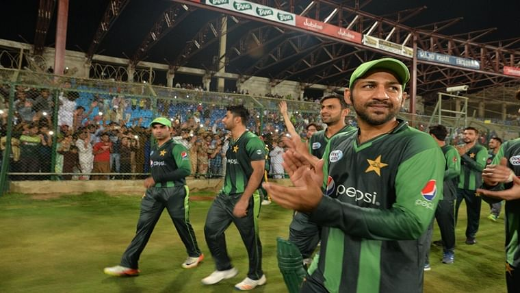Karachi to welcome international cricket after 10 years