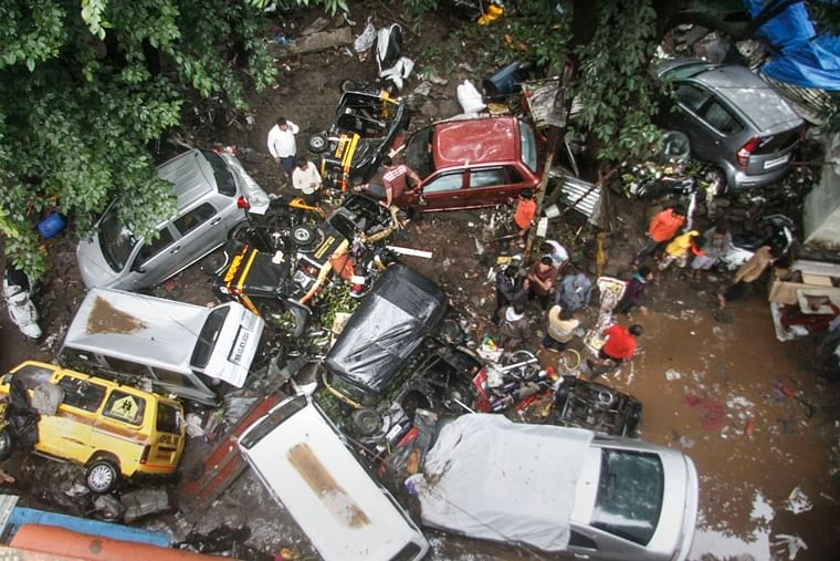 Indian Army rescues 300 people in Pune following heavy rains