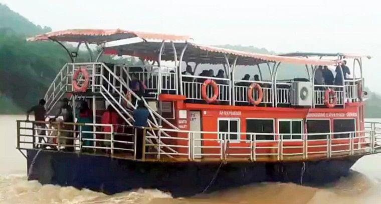Andhra Pradesh: 12 killed, 30 missing as boat capsizes in Godavari river
