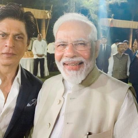 Watch: SRK at his witty best, says he hugged Aamir thanks to PM Modi