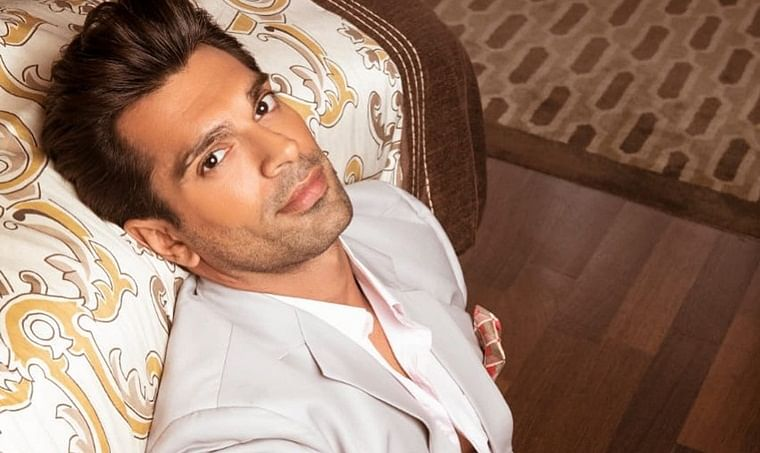 Karan Singh Grover completes 15 years in the entertainment industry!