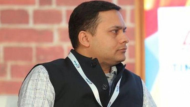 'Hugplomacy': BJP's Amit Malviya accuses Priyanka Gandhi Vadra of 'imitating' PM Narendra Modi