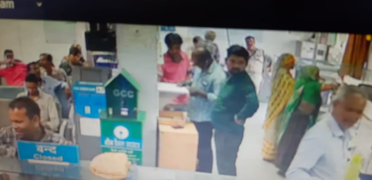 Kukshi: Gas agency manager robed of Rs 3.05 lakh