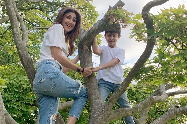 Video: Shilpa Shetty teaches son Viaan the tricks of 'breathing right' underwater