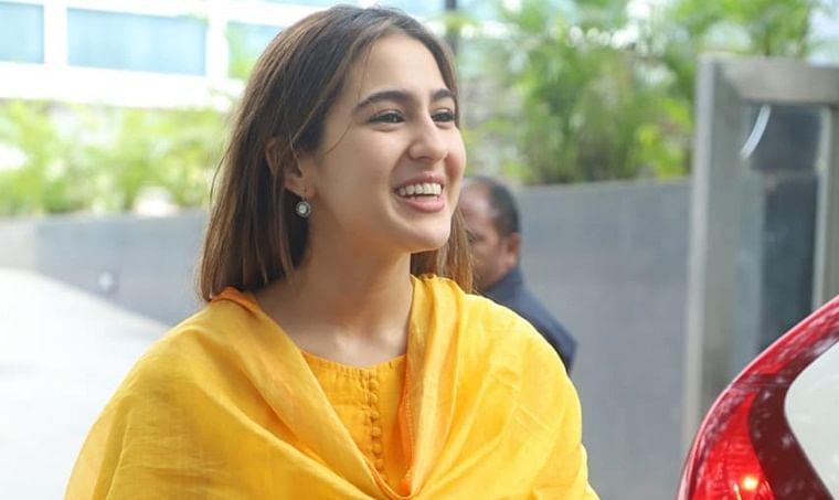 Sara Ali Khan's minimalist look for Karan Johar's Lakshmi Puja will knock you down