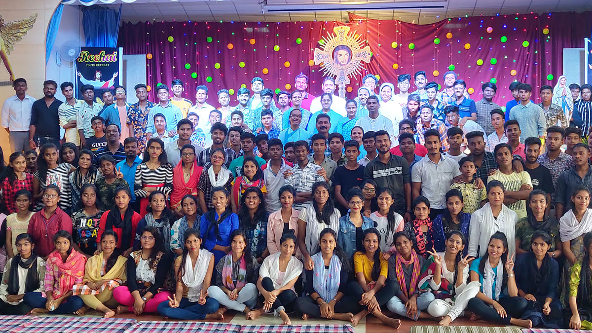 Indore: 'Reehai' organised to free youth from negativity