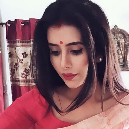 Sushmita Sen's bhabhi Charu Asopa turns into a perfect Bengali bride for first Durga Puja