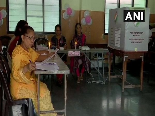 Maharashtra Election 2019: Voting held in candlelight due to no electricity