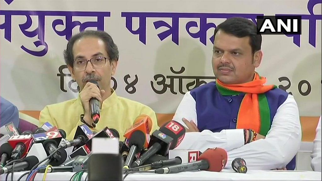 Shiv Sena President Uddhav Thackeray and Maharashtra CM Devendra Fadnavis (R) at the joint press conference.