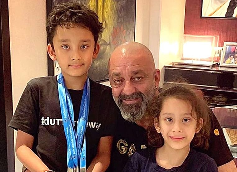 Sanjay Dutt with his twins Shahraan & Iqra