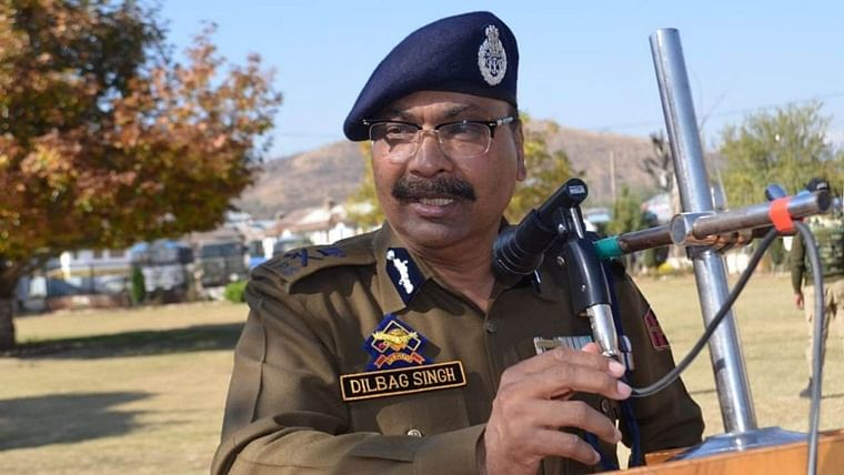 200 to 300 militants active in Jammu and Kashmir, Pakistan trying to push in more: DGP